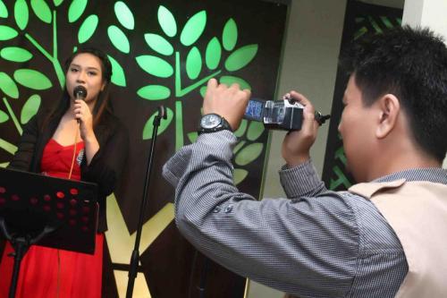 Ririsaci-Studio-Jasa-Video-Shooting-Surabaya-Bapak-Rio-Mango-Resto-Sweet-Seventeen