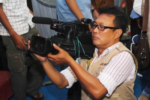 Ririsaci-Studio-Jasa-Video-Shooting-Surabaya-Sidoarjo-Bapak-Edi-Menganti-Gresik