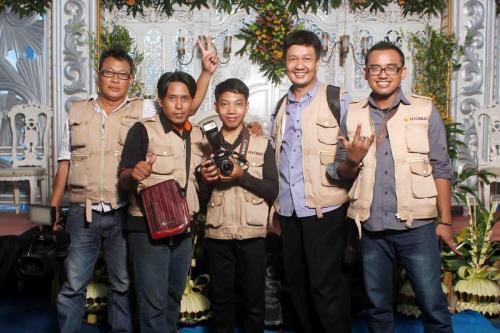 Ririsaci-Studio-Jasa-Video-Shooting-Surabaya-Tim-Pernikahan-Gresik