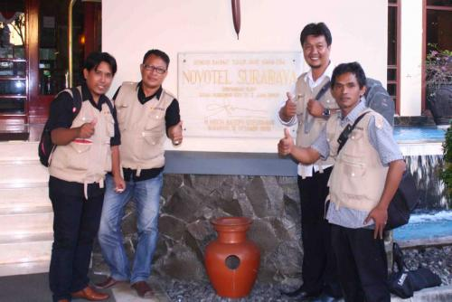 Ririsaci-Studio-Jasa-Video-Shooting-Surabaya-Tim-di-Novotel
